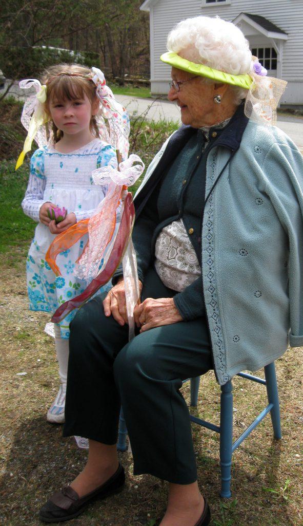 MayPole 2009-05-03 NancyPacaud
